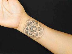 Psychedelic pointilism tattoo | Tattoo Hub