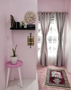 30 Praying Room Ideas To Bring Your Ramadan More Beautiful - Homemydesign Home Room Design, Indian Home Decor, Interior, Prayer Corner, Beautiful Home Designs, Room Decor, Living Room Grey, Muslim Prayer Room Ideas, Islamic Decor