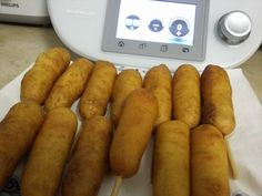 Corn Dogs Corn Dogs, Carne, Sausage, Meat, Ketchup, Healthy, Kabobs, Top Recipes, Snacks
