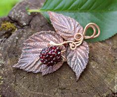 Jewelry Crafts, Jewelry Art, Jewelry Design, Fall Jewelry, Metal Jewelry, Antique Jewelry, Vintage Jewelry, Biscuit, Creation Art