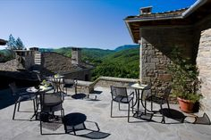 Experience Unique Moments at Kipi Suites in the Heart of Zagori! - Travel Offers by Greek Travel Pages Rustic Stone, Outdoor Playground, Largest Countries, Stone Houses, Hotel S, Holiday Destinations, A Boutique, Beautiful Landscapes, Luxury Lifestyle