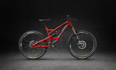 YT CAPRA CF Pro Race 2016 First Look