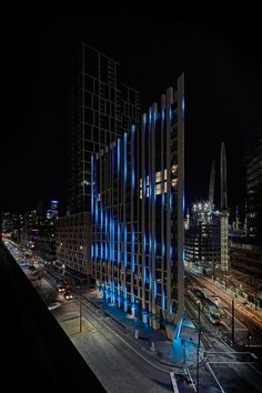 A Bruce Ramus-designed LED artwork, which changes appearance as it interprets the weather, will light up the facade of Lend Lease's 888 Collins Street tower in Docklands, Melbourne. Facade Lighting, Linear Lighting, Exterior Lighting, Landscape Lighting, Cool Lighting, Outdoor Lighting, Indirect Lighting, Arch Light, Tower Light