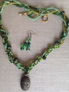 Seed Bead Necklace, Seed Beads, Beaded Necklace, Green And Gold, Braids, My Etsy Shop, Trending Outfits, Unique Jewelry, Handmade Gifts