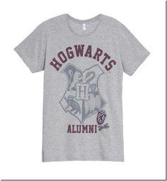 A Riachuelo está lançando a coleção inspirada na saga Harry Potter o famoso bruxo de J.K. Rowling.  A coleção conta com cerca de 40 itens desde camisetas, almofadas, toalhas, roupas de cama, pijama,  entre outros