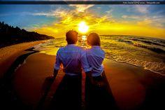 Romantyczne zdjęcia ślubne o zachodzie słońca