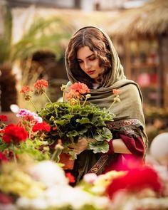 T shirt männer Wildes T-Shirt - # Kitchen Cabinet Finishes And Design Arti Sad Girl Photography, Portrait Photography, Beautiful Girl Photo, Beautiful Hijab, Girl Pictures, Girl Photos, Persian Beauties, Iranian Beauty, Persian Girls