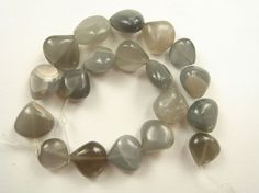 Grey Moonstone Smooth Heart / 8 to 10 mm / 19 by beadsofgemstone