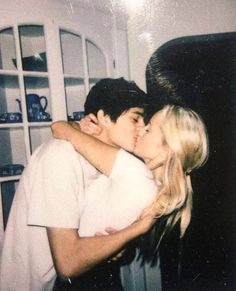 Cute Couples Photos, Cute Couple Pictures, Cute Couples Goals, Couple Goals, Couple Pics, Young Love Pictures, Cute Young Couples, Teenage Couples, Film Pictures