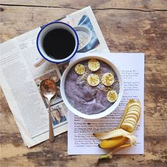 The MAKE THIS, EAT THIS Smoothie, raw vegan banana blueberry smoothie with coconut butter & maca // inmybowl.com