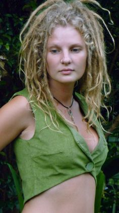 Faerie dreads - in my dreamworld I have hair almost exactly like this, but longer. *sigh* She's so lovely!