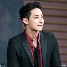 Discovered by deansrippedjeans. Find images and videos about kpop, korean and lee soo hyuk on We Heart It - the app to get lost in what you love. Hot Korean Guys, Korean Men, Asian Men, Lee Hyuk, Lee Jong Suk, Jang Keun Suk, Asian Actors, Korean Actors, Sung Joon