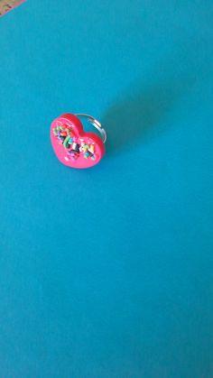 anellino cuore in resina di nonsolocandykawaii su Etsy