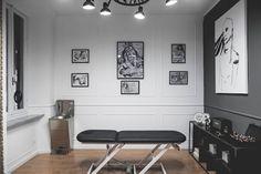 B/G Tattoo Studio: Negozi & Locali commerciali in stile  di MODO Architettura