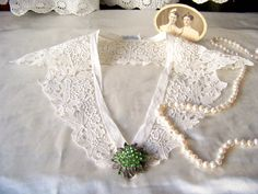 Vintage Lace Collar by cynthiasattic on Etsy, $45.00
