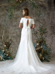 Lovely Devore brocade fishtail with bardot neckline and cute bow detail Charlotte Balbier, Bridal Separates, Ethereal Beauty, Cute Bows, Fishtail, Bardot, Wedding Gowns, Neckline, Detail