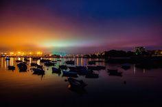 Luces con complejo  boreal sobre el cielo de una Ciudad Olívica y Muy Leal  #vsco #vscocam #galicia #galiciavisual #galiciagrafias #loves_galicia #lovely #pontevedra #love #galiciagrafias #igers #igerspain #igerspontevedra #movilgrafias #movilgrafiadeldia100316 #communityfirst #primerolacomunidad #visitspain #vscocamnature #bouzas #monumentalspain #sky #night #vigo