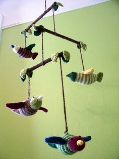 Free knitted bird mobile pattern for baby, from Knitty