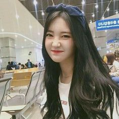 Find images and videos about girl, korean and ulzzang on We Heart It - the app to get lost in what you love. Ulzzang Girl Selca, Style Ulzzang, Ulzzang Korean Girl, Ulzzang Fashion, Korean Fashion, Korean Girl Photo, Cute Korean Girl, Girl Korea, Uzzlang Girl