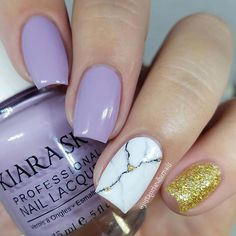 23 Stunning ways to wear marble nails Marble Nail Art has become very popular. This is no surprise, marble nails are very elegant and chic! Glam Nails, Glitter Nails, Cute Nails, My Nails, Marble Nail Designs, Marble Nail Art, Bright Red Nails, Dipped Nails, Nagel Gel