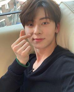 Let's Talk About Love, Nu'est Jr, Nu Est Minhyun, Wheein Mamamoo, First Boyfriend, Cute Asian Guys, Boy Images, Smile Everyday, Kim Jaehwan