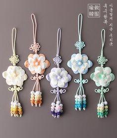 Pin on Asia - Tassel Pin on Asia - Tassel Jewelry Accessories, Fashion Accessories, Chinese Design, Diy Origami, Korean Traditional, Korea Fashion, Kimono Fashion, Fabric Art, Bead Crafts