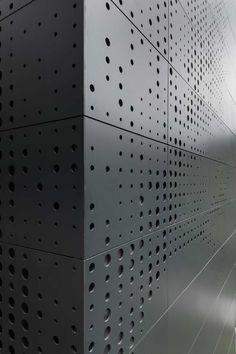 Façana ventilada de Trespa multiperforada