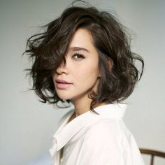 20 short wavy hairstyles for girls. Ideas about short wavy hair. Short hairstyles for wavy hair. Messy Short Hair, Short Hair Cuts, Messy Bob, Thick Hair, Tousled Bob, Short Curls, Short Waves, Curly Short, Bob Cut Hair