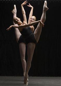 Ashley Ellis and Whitney Jensen, Boston Ballet - Photographer Essdras Suarez/The Boston Globe