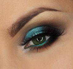 Makeup Geek Foiled Eyeshadow, Pegasus, is the star of this look by Justyna Kolodziej.