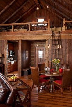 Rustic interior in a family cabin http://adelaparvu.com/2013/10/01/casa-mica-din-lemn-cu-interior-rustic-elegant-arata-wow/