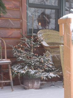 Winter porch Christmas tree in snow Cabin Christmas, Christmas Scenes, Merry Little Christmas, Primitive Christmas, Christmas Love, Country Christmas, Winter Christmas, All Things Christmas, Vintage Christmas