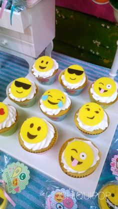 Fun cupcakes at an emoji birthday party! See more party ideas at… Little Girl Birthday, Birthday Cake Girls, Birthday Cupcakes, 10th Birthday, Birthday Parties, Cupcake Emoji, Emoji Cake, Party Emoji, Fun Cupcakes
