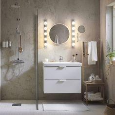 Que pensez-vous de cette salle de bain claire ? Luminaires LEDSJÖ  #IKEAfrance #IKEAhome #bathroom #salledebain #IKEA #ikeaddict #home #homedeco #inspiration #decoration