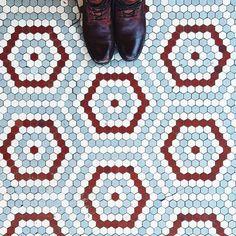 honingraat hexagon rood wit grijsblauw
