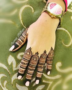 Tribal Henna Designs, Mehndi Designs Feet, Latest Arabic Mehndi Designs, Full Hand Mehndi Designs, Mehndi Designs For Girls, Legs Mehndi Design, Mehndi Designs For Beginners, Mehndi Designs For Fingers, Latest Finger Mehndi Designs