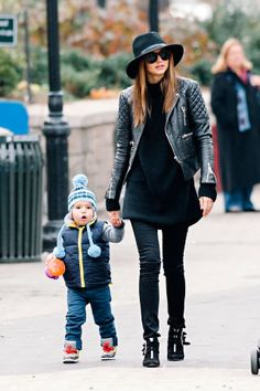 17 sweet street style moments of Flynn Bloom and his mother, Miranda Kerr. More photos here.