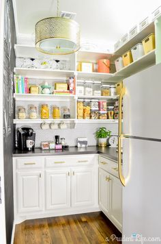 Cheap Cabinet Hardware (It's a Real Thing!) Walk In Pantry with Gold Cabinet Hardware - Own Kitchen Pantry Kitchen Pantry, New Kitchen, Kitchen Decor, Kitchen Cabinets, Pantry Room, Wall Cabinets, Space Kitchen, Kitchen Counters, Kitchen Ideas