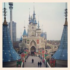 Lotte World Adventure Places To See, Places Ive Been, Lotte World, 10 Pm, Being In The World, Roller Coaster, South Korea, Seoul, Paris Skyline