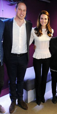 Kate Middleton stunned in a ruffled Alice Temperley blouse and black pants for an appearance at BBC Radio where she and husband Prince William filled in as radio DJs. Kate Middleton Outfits, Kate Middleton Stil, Lady Diana, Duchesse Kate, Princesa Kate Middleton, Style Royal, Kate And Meghan, Prince William And Catherine, William Kate
