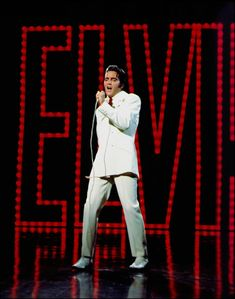 "He will always be the ""King""On June 30, 1968, Elvis taped his final segment of the '68 Comeback Special. In honor, you can now view photos of his ""If I Can Dream"" performance on our mobile apps. http://elvis.ly/bXAgg"