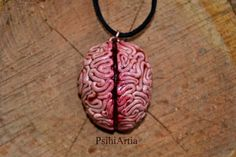Brain pendant Halloween necklace Brain necklace por PsihiArtia