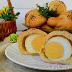 Wielkanocne rogaliki krucho-drożdżowe z całym jajkiem Eggs, Ale, Breakfast, Recipes, Food, Morning Coffee, Meal, Egg, Ale Beer