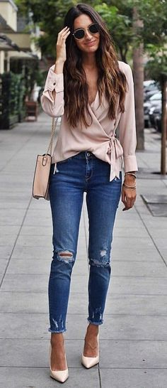 #fall #outfits  #summer #outfits Blushin' On A Monday 40+ Stylish Summer Outfits You Should Already Own Summer Is Finally Here! Say Hello To Tanned Skin, Drinks By The Pool, Hanging Out With Your Besties, And Most Importantly, No Homework! Whether You're...