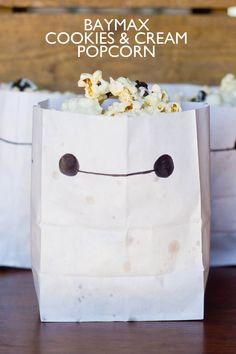 Cookies and Cream Popcorn, a Big Hero 6 Movie Night Treat! | Our Holly Days #BigHero6MovieNight #ad @Target