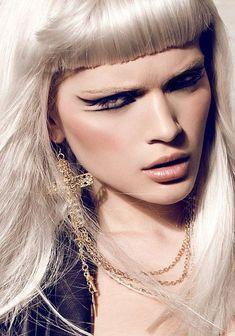 Makeup/Hair: Ines Schult    Website: www.ines-schult.de    Photography: Marie Bärsch    Website: www.mariebaersch.com