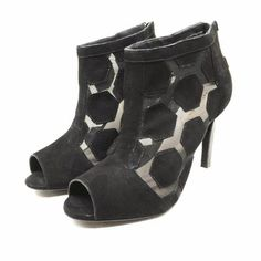 Sandal by @KatMaconie #KatMaconie #sandal #shoes #heels #FolliFollie