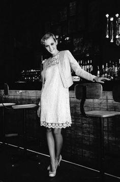 Kurzes, bezauberndes Brautkleid für die standesamtliche Trauung von lindegger küssdiebraut