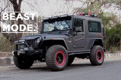 Azad has taken a Mahindra Thar and given it a makeover that has earned it the title of being called 'The Beast' and here's why… Defender 90, Land Rover Defender, Custom Jeep, Custom Cars, Mahindra Thar Modified, Mahindra Thar Jeep, Jeep Wrangler Wheels, Yamaha Rx100, House