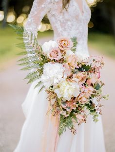 Featured Photographer: Jasmine Lee Photography; Wedding bouquet idea.